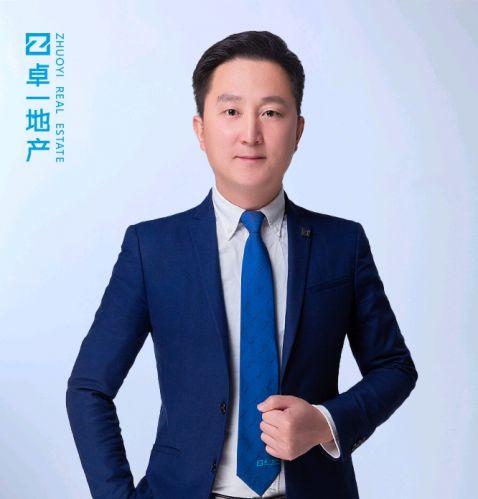 邓志伟照片